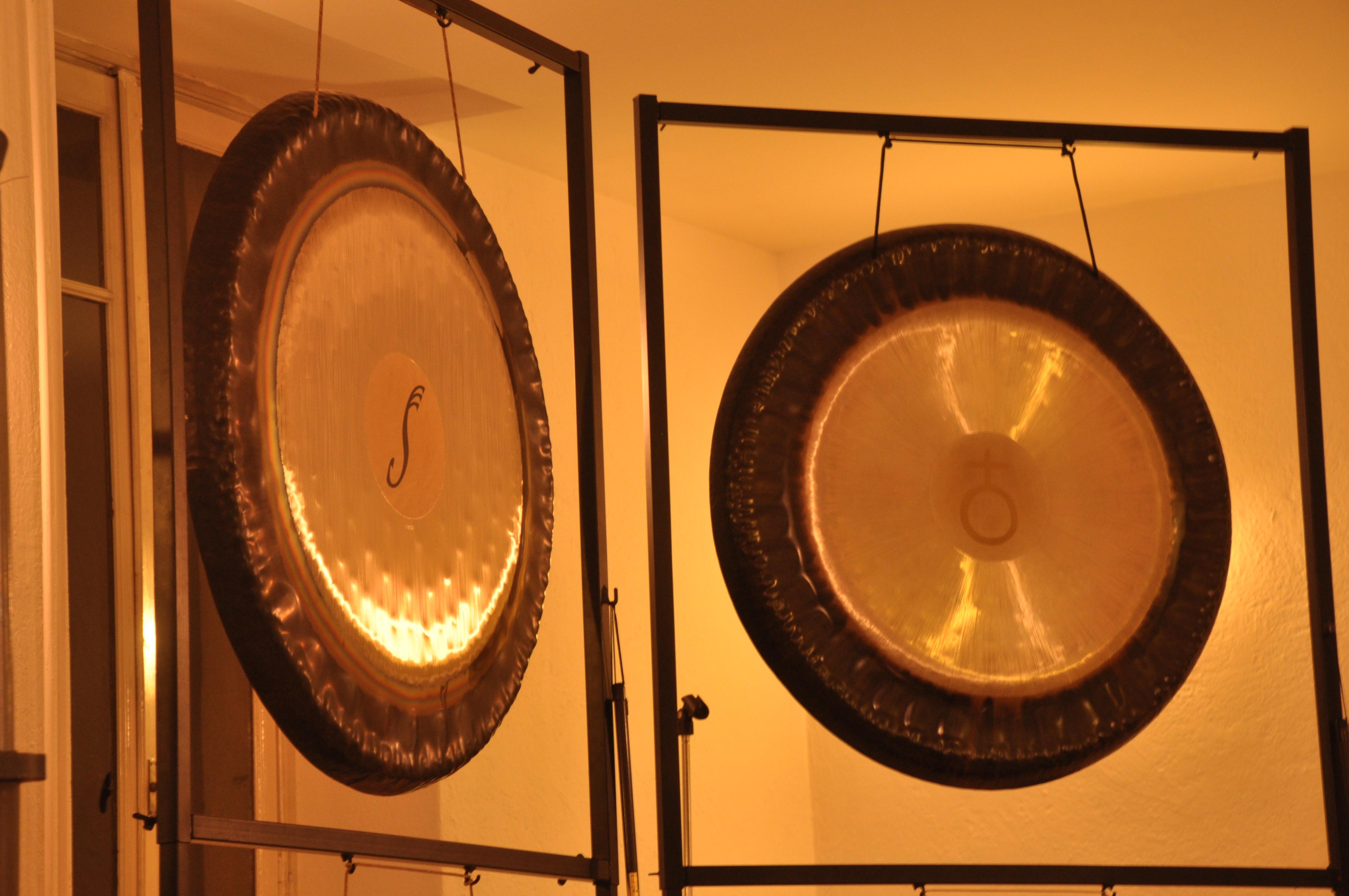 Bagni di gong a biella gong heart - Bagno di gong effetti negativi ...
